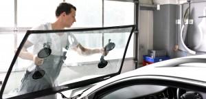 Autoglas - Austausch der Frontscheibe